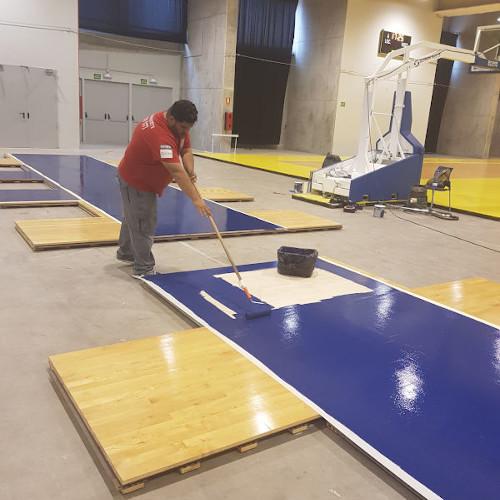 Tarima de madera lijado y restauración para polideportivo